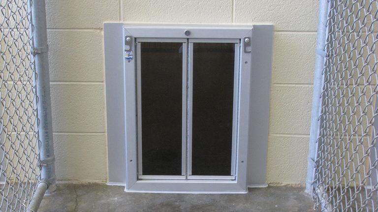 Biteguard 1418 Dog Doors Cat Doors